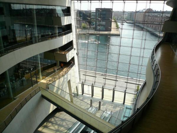 Kopenhagen Sehenswürdigkeiten moderne bibliothek innenansicht