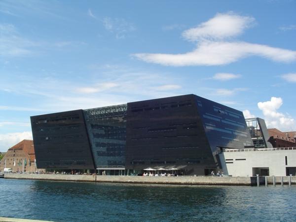 Kopenhagen Sehenswürdigkeiten moderne bibliothek