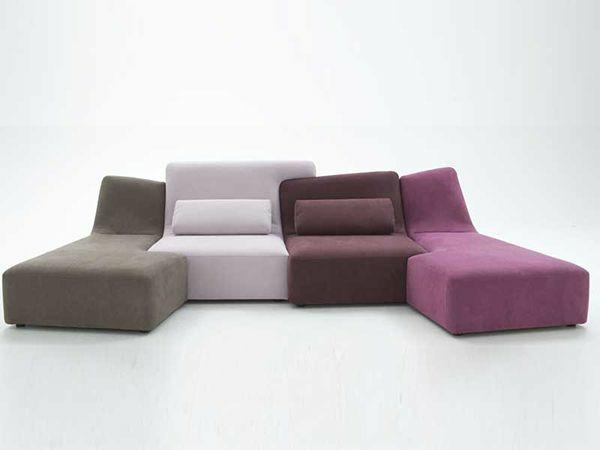 Ein ligne roset sofa l sst ihren wohnraum fr hlicher for Sofas rinconeras modulares