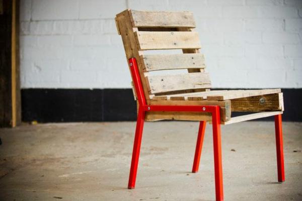 Möbel aus Paletten stuhl design DIY ideen