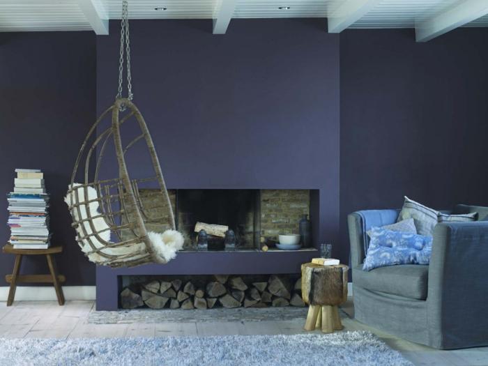 Psychologie der Farben wohnzimmer ideen wandfarbe lila hängekorbsessel
