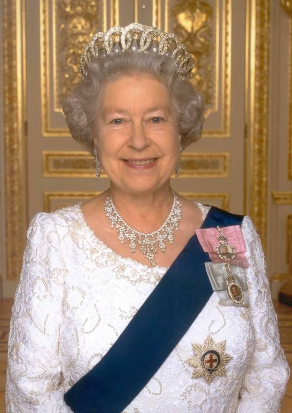 Sternzeichen Stier Frau berühmtheiten Queen Elizabeth II