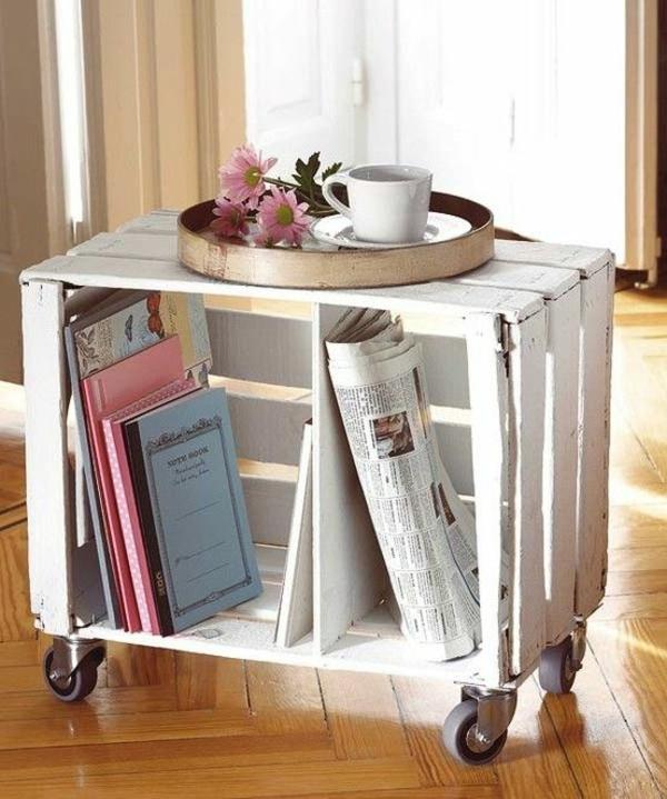 alte möbel neu gestalten bücherregal holz auf rollen
