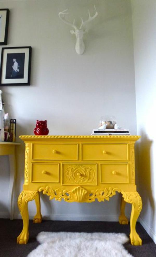 alte möbel neu gestalten holz kommode restaurieren gelb