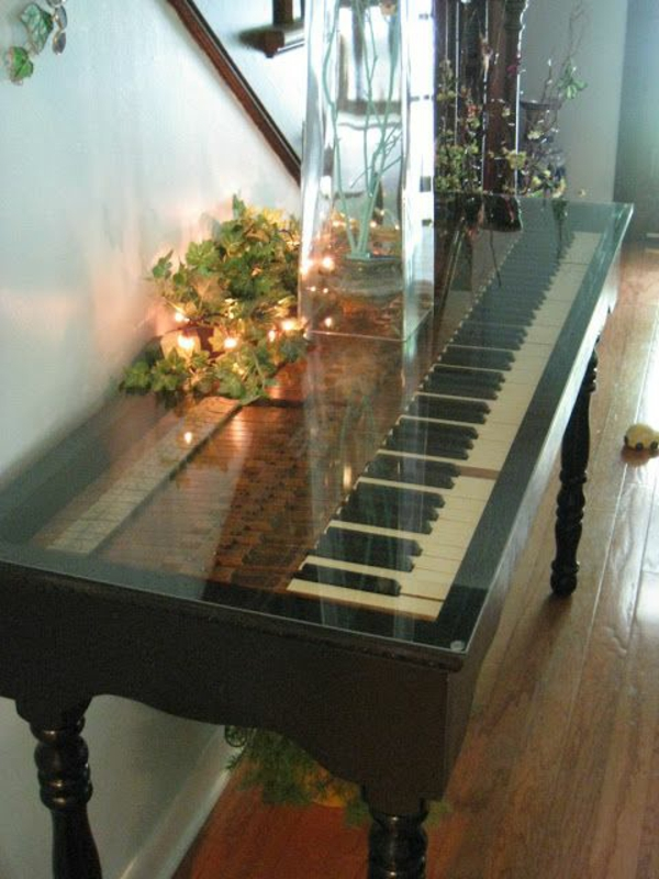 alte möbel restaurieren alte möbel neu gestalten klavier tisch glasplatte
