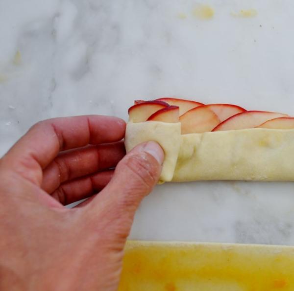 apfel muffins apfelscheiben teig rollen zimt