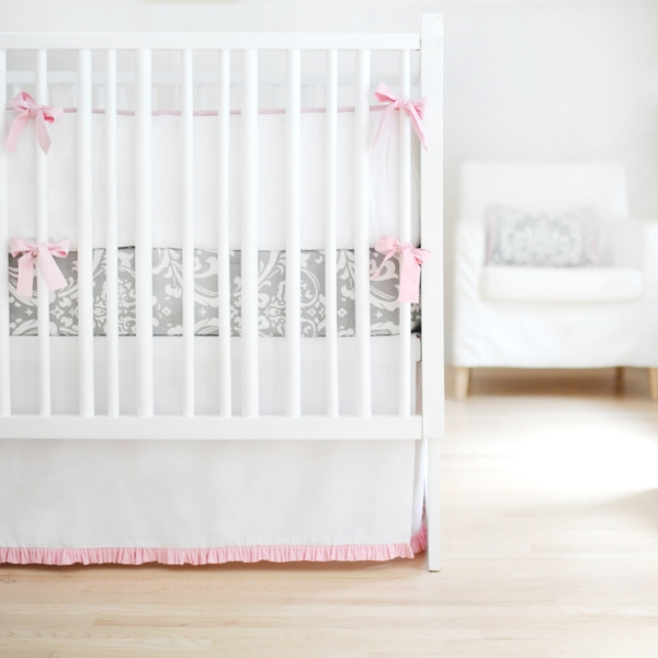 babybett design sanfte nuancen babyzimmer einrichten dekorieren