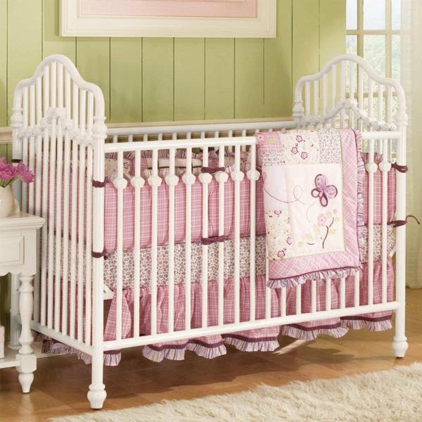 babybettchen gitterbett mädchen rosa bettwäsche