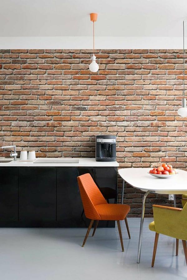wanddeko selber machen: gefälschte backsteinwand als rustikale deko, Garten dekoo
