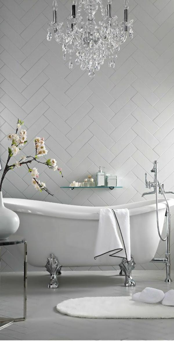 badewanne freistehend beispiele badezimmer accessoires blumen