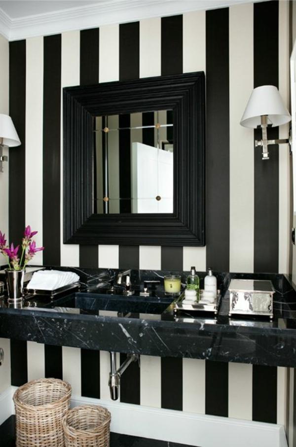 badezimmer tapete streifen muster weiß schwarz