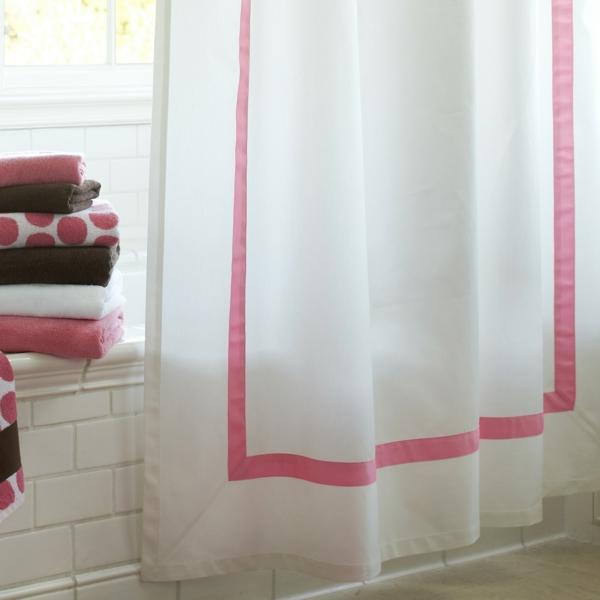 badezimmer vorhang schlicht weiß rosa