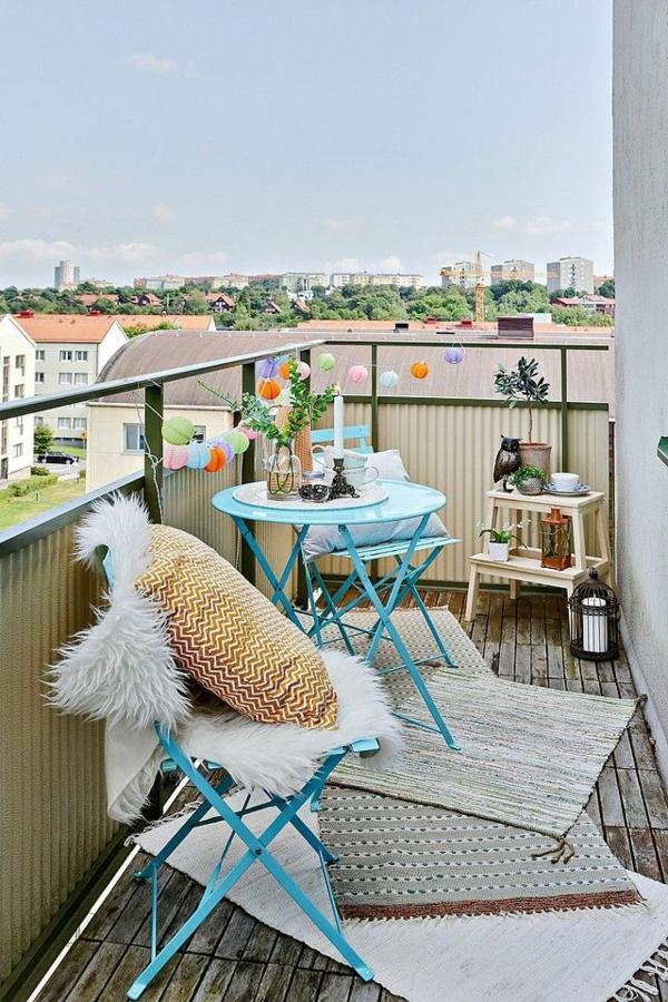 balkon ideen kleiner balkon teppichläufer