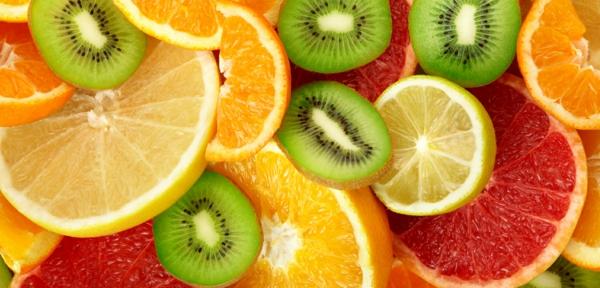 basische lebensmittel zitrusfrüchte kiwis zitronen grapefruit