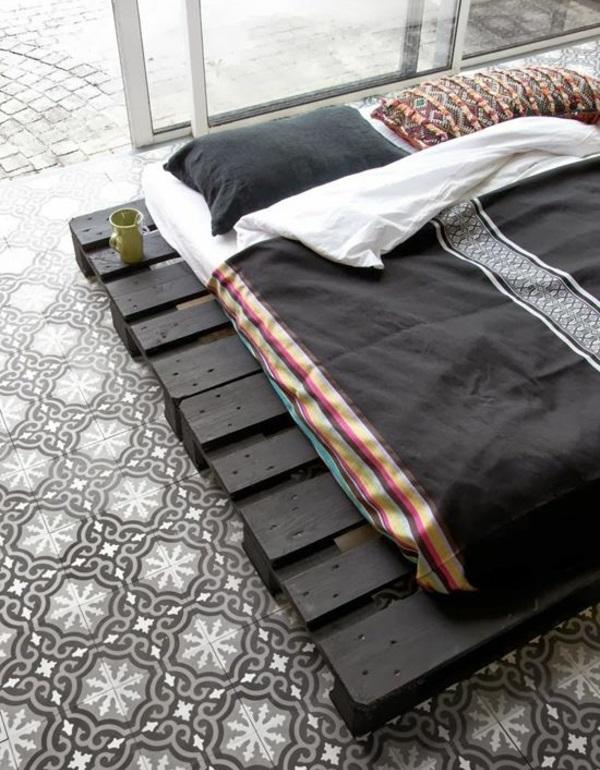 bett aus paletten selber bauen schlafzimmer möbel asiatischer stil