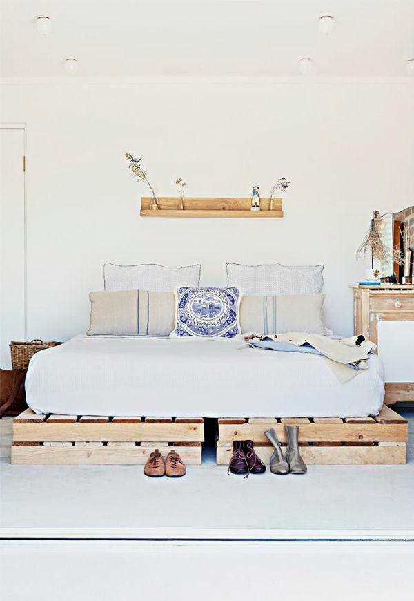 bett aus paletten im eigenen schlafzimmer - inspirierende beispiele - Nachhaltige Und Umweltfreundliche Schlafzimmer Mobel Und Bettwasche