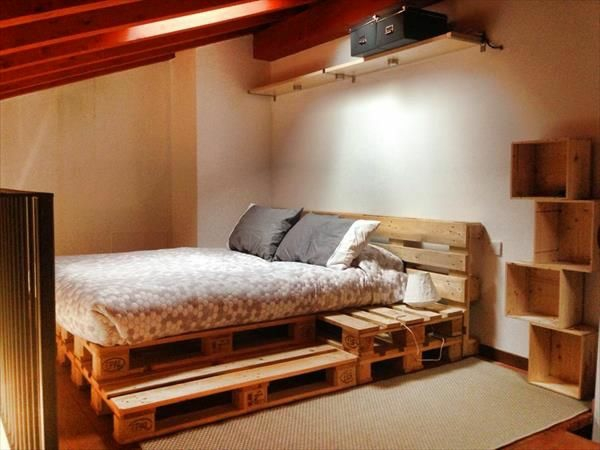 bett aus paletten im eigenen schlafzimmer inspirierende beispiele. Black Bedroom Furniture Sets. Home Design Ideas
