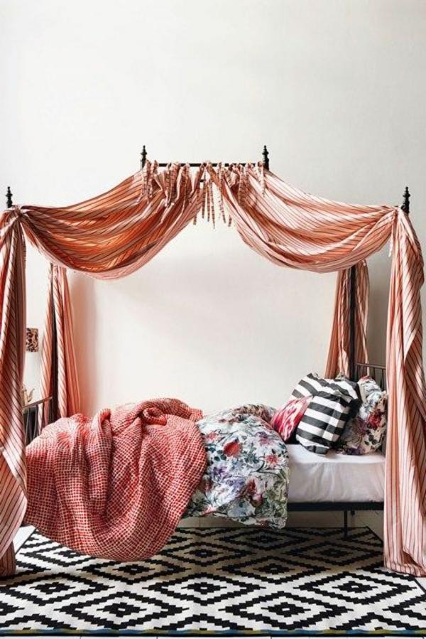 betthimmel schlafzimmer frische schattierungen teppich muster