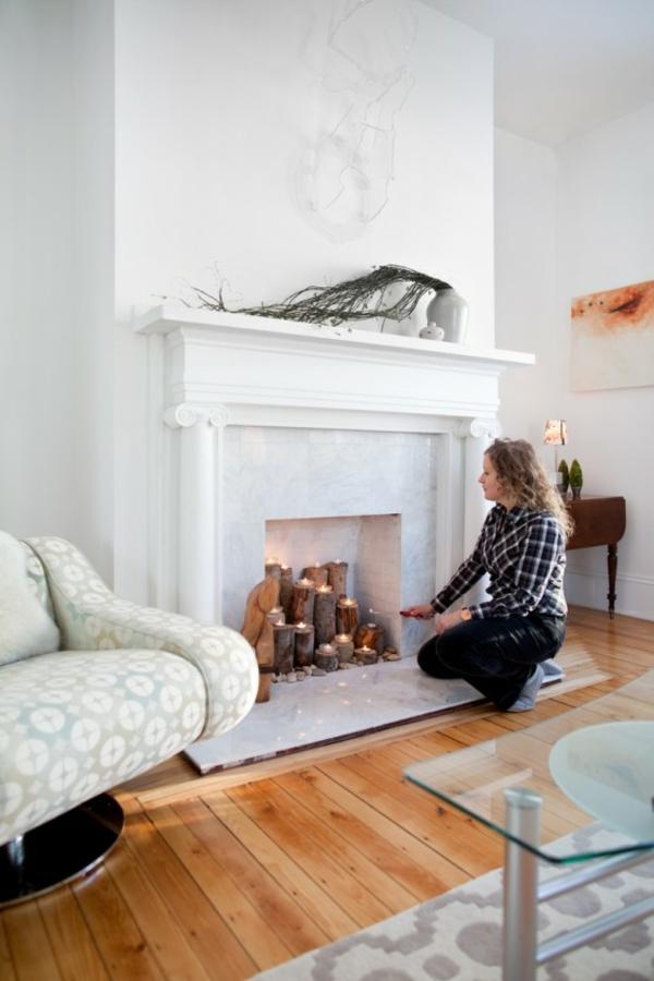 Baumstmme Wohnzimmer Deko Kamin Romantische Stimmung Mit Kerzen Und Laternen
