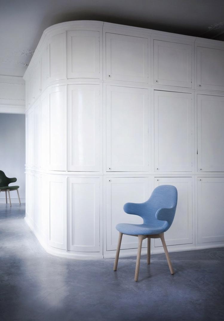 design stühle Catch Chair hayon für &Tradition blau holzbeine