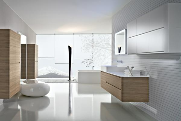 designer-badezimmer helles holz weißer boden
