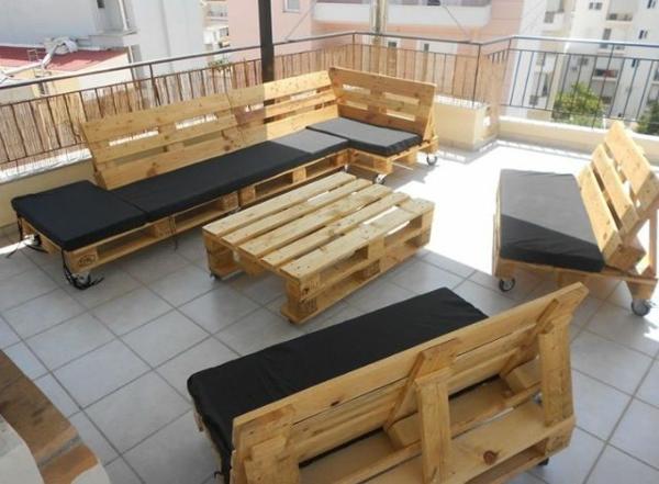 Gartenm bel aus paletten selber bauen und den au enbereich ausstatten - Garten lounge aus paletten ...