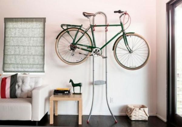 fahrrad wandhalterung design wohnzimmer originell