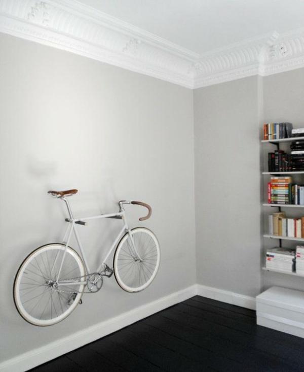 fahrrad wandhalterung raum sparen wohnzimmer wanddeko