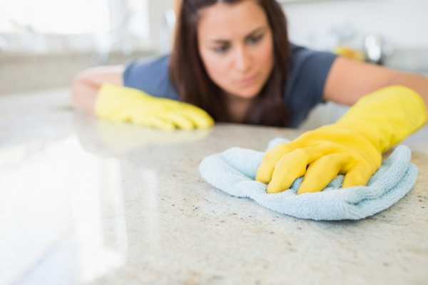 küche putzen arbeitsoberfläche tuch