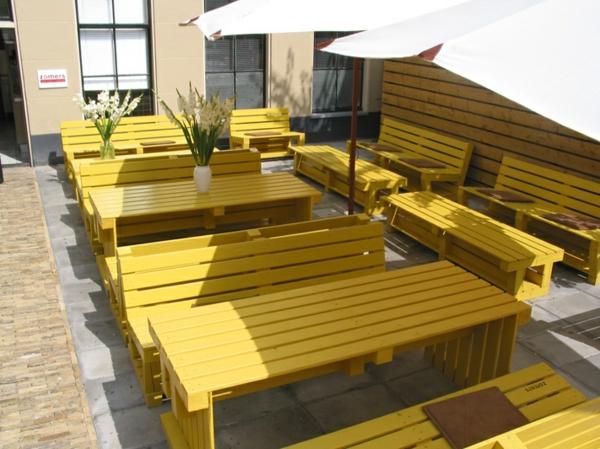 gartenmöbel aus paletten gastronomie möbel terrasse ausstatten