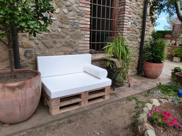 gartenmöbel aus paletten schickes sofa selber bauen