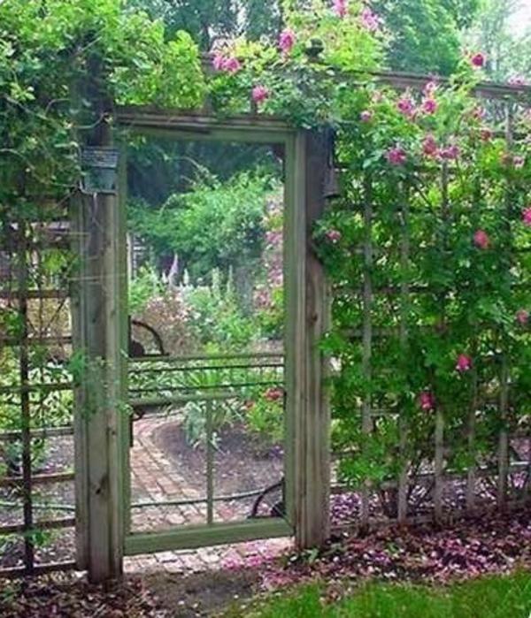 Gartent ren designs f r eine zauberhafte gartengestaltung - Garten schrage gestalten ...