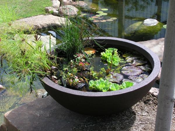 mini gartenteich bauen kleine oasen im garten oder auf dem balkon. Black Bedroom Furniture Sets. Home Design Ideas