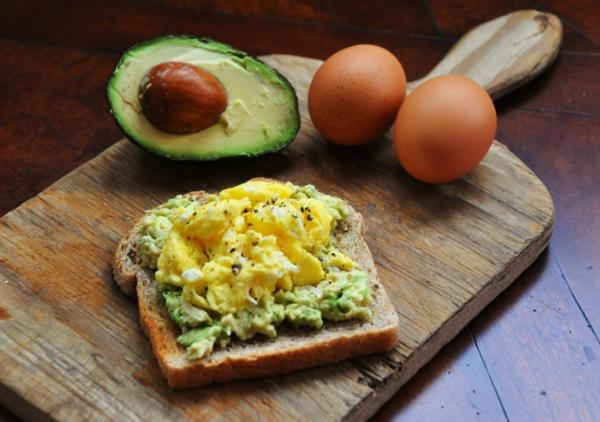 gesunde frühstücksideen brot eier gesund