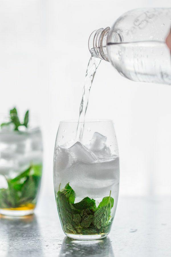 gesundes wasser mit minze erfrischende gertänke