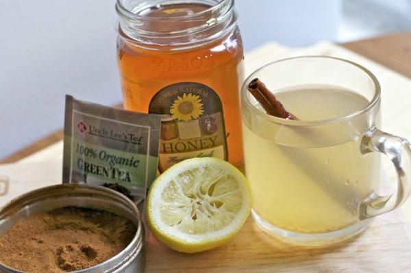 heißes wasser mit honig und zitrone gesundes leben