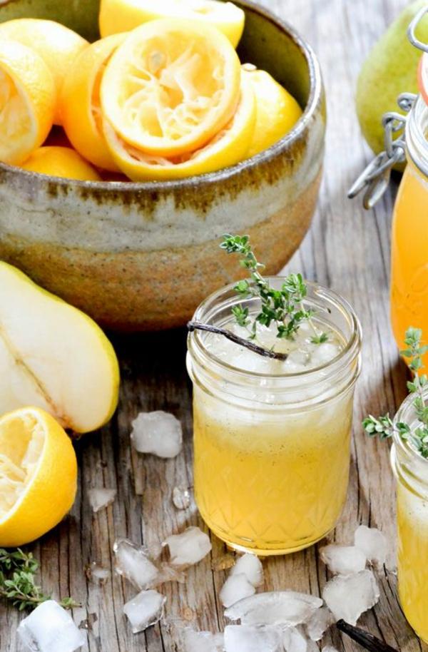 heißes wasser mit zitrone gesundes wasser erfrischende gertänke mit eis