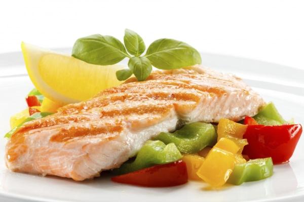 horoskop stier gesunde ernährung fischfilet mit gemüse