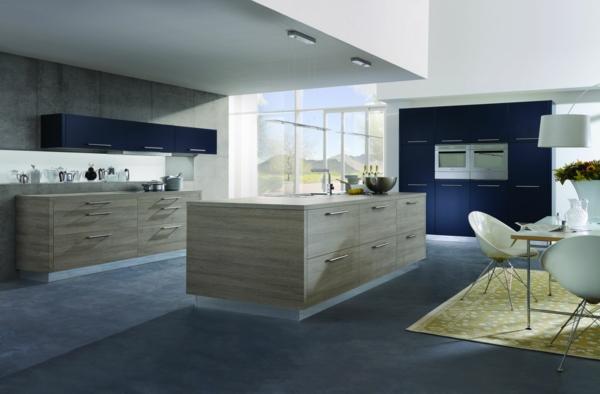küche einrichten blaue akzente frischer teppich