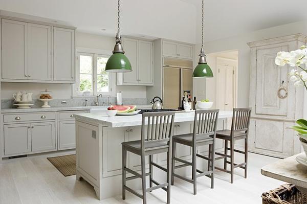 küchendesign ideen grüne hängeleuchten weiße einrichtung