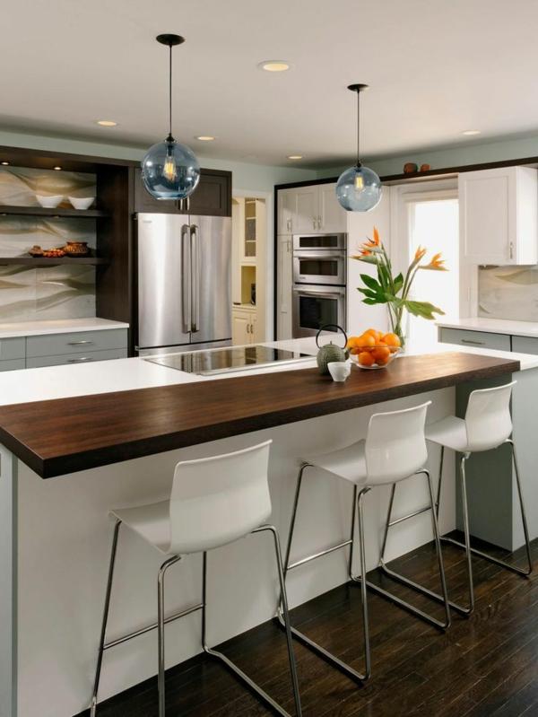 küchendesign küche einrichten weiße kücheninsel pendelleuchten