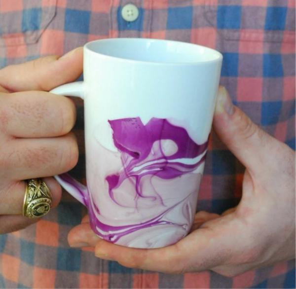 kaffeetasse selber gestalten nagellack wasser