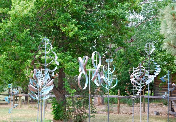 kinetische kunst installation im park moderne skulpturen santa fe