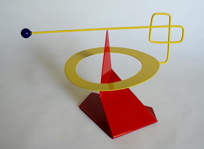 kinetische kunst installation moderne skulpturen rot gelb