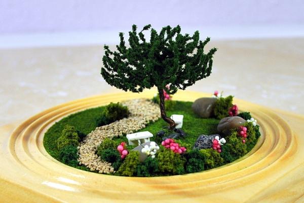 kleine gärten anlegen rund baum moos