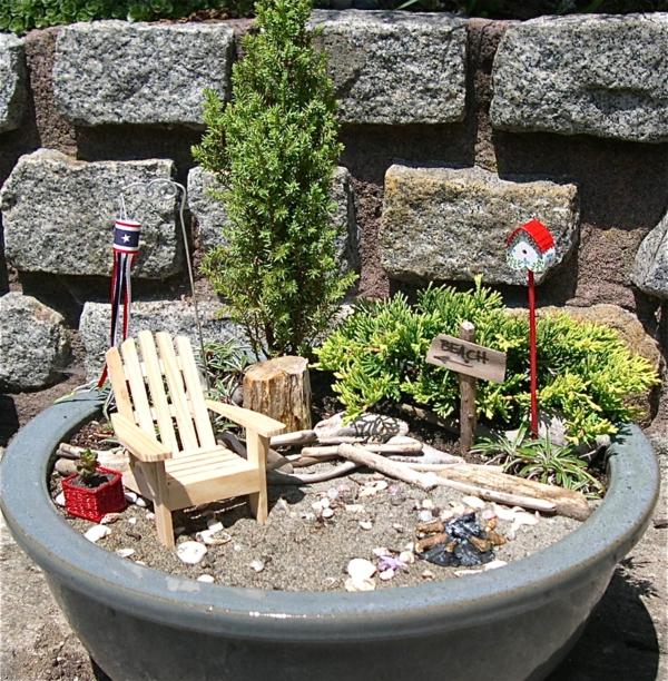 kleine gärten gestalten keramik topf holzsessel