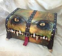 Außergewöhnliche Ledertaschen und -koffer mit Zähnen und Augen