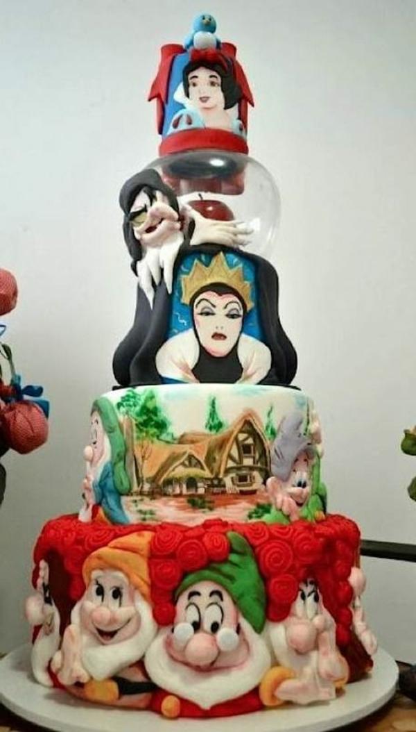 Lustige Torten rufen Märchen und Träume wieder ins Leben