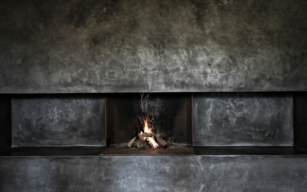 mallorca haus kaufen minimalistischer kamin