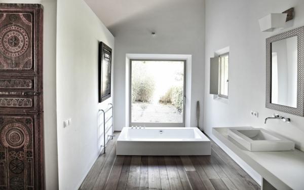mallorca haus kaufen modernes bad quadratisches waschbecken badewanne